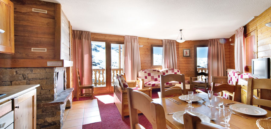 France_Val-Thorens_chalet_adrienne_lounge.jpg